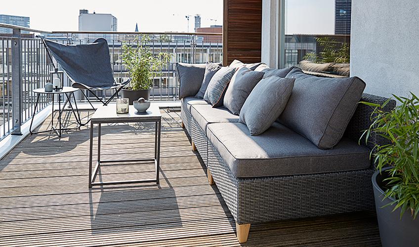 sfaturi pentru amenajarea unui balcon mic jysk. Black Bedroom Furniture Sets. Home Design Ideas